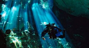 Cenote diving in the Yucatan (image by jhovani serralta by Pixabay)