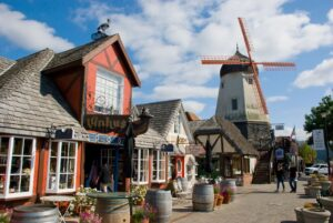Windmill of Solvang (photo by delray77)