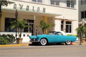 Vintage car and art deco architecture on South Beach, Miami